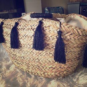 H&M big straw tote beach bag with tassels